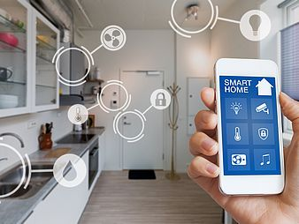 Smartphone controls kitchen appliances
