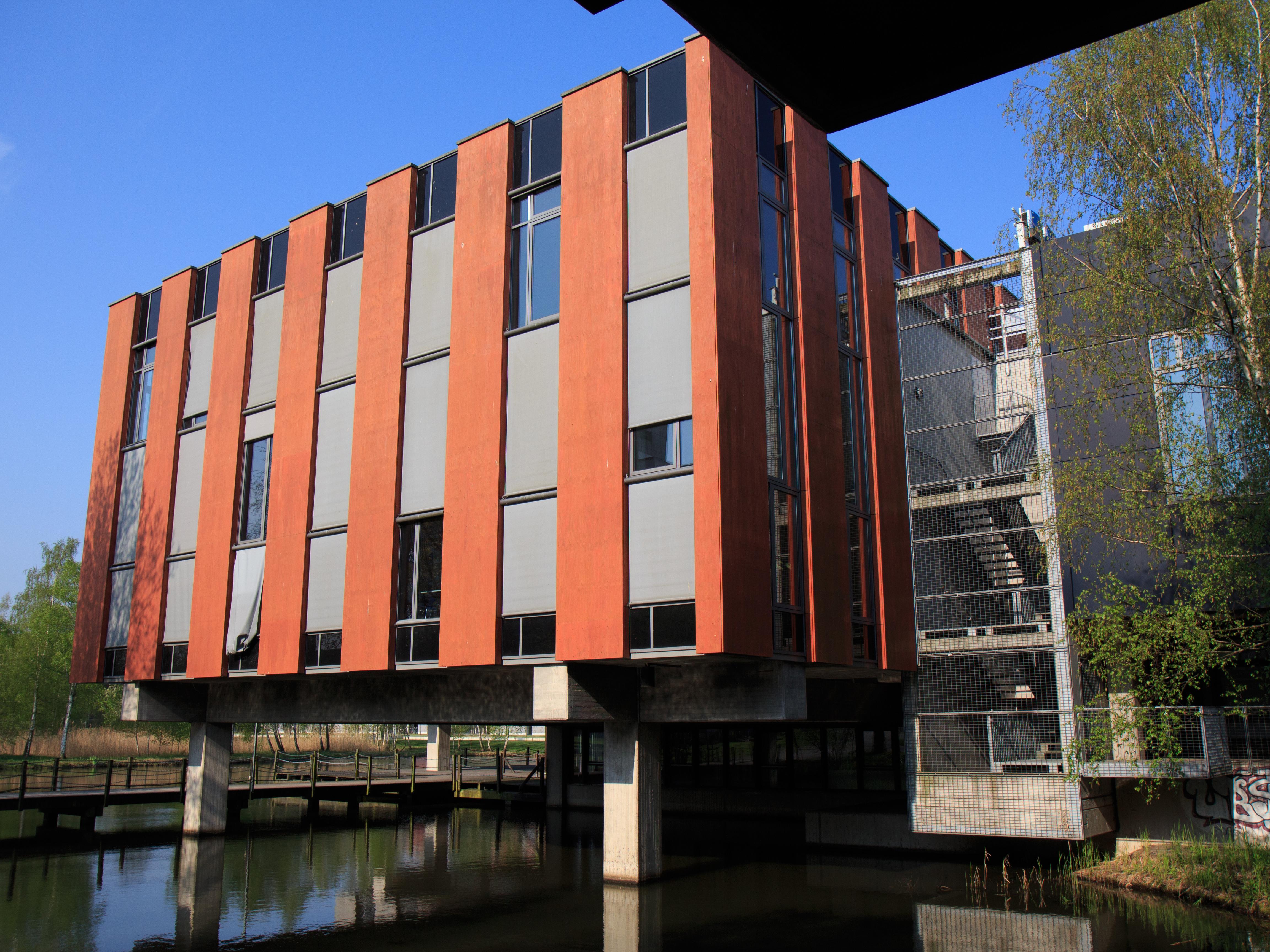 Corona Universitäten Geschlossen