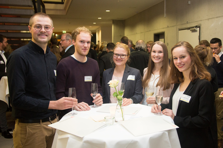 5 Stipendiaten beim Get-Together