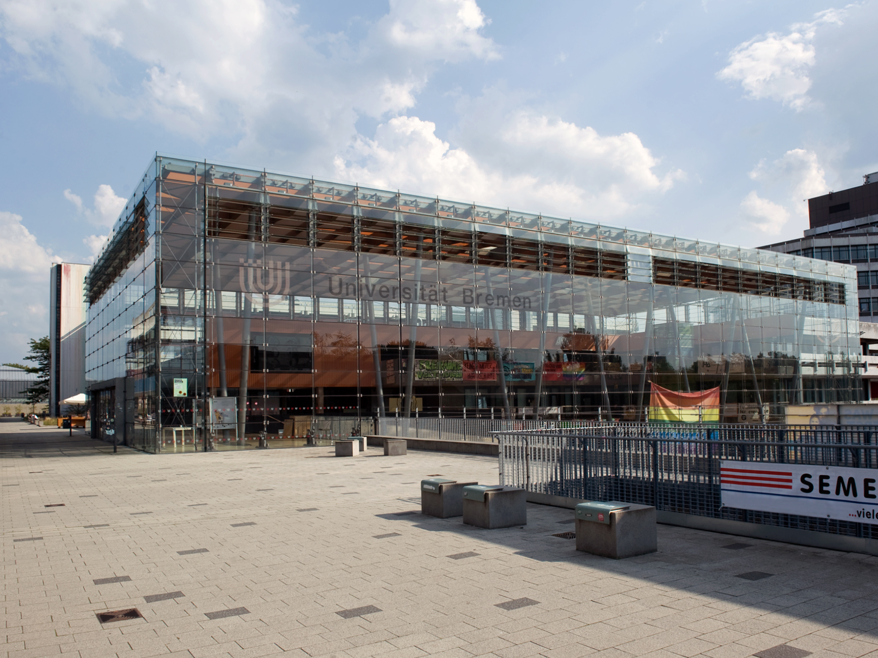 Glashalle (Zentralbereich A), Studentenhaus